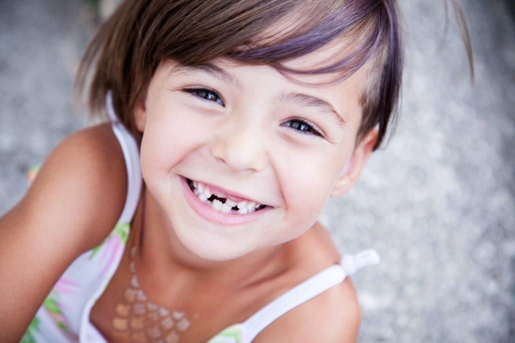 Cosa fare quando tuo figlio perde precocemente un dente?